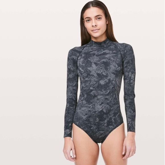 SOLD. Lululemon. Will The Wave Long Sleeve. Size 6